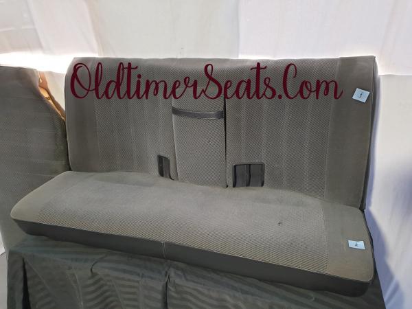 bmw e30 0269 backseat with armrest