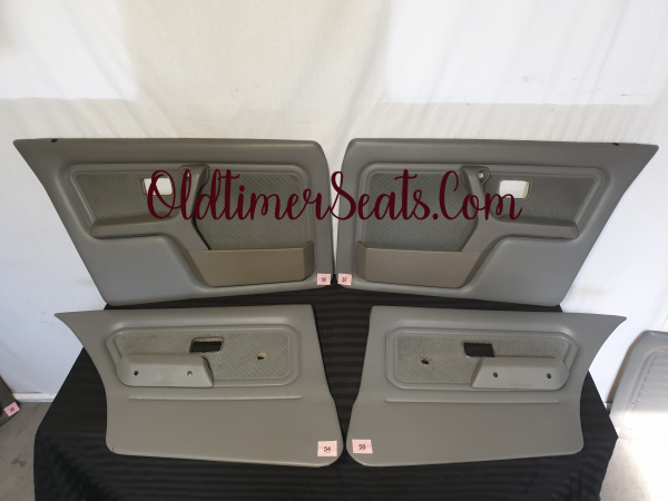 4 door BMW E30 door cards Silber